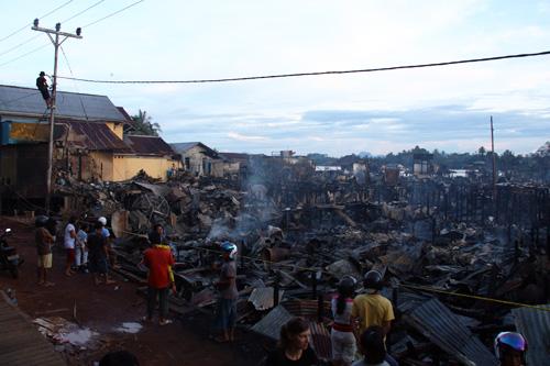 Verbrannte Haeusser am alten Markt