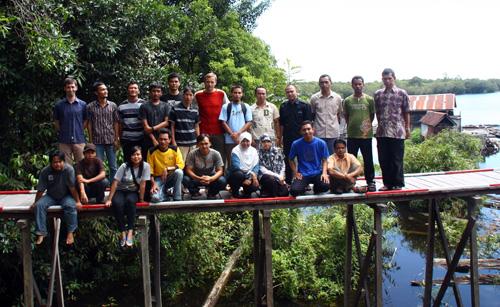 Kursteilnehmer und Instruktoren