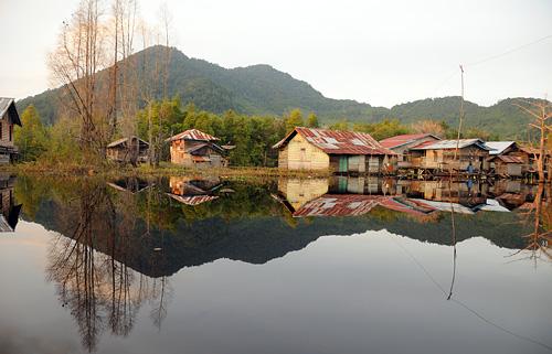 Die Häuser von Lanjak