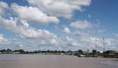 Der Ort Bunut am Fluss Kapuas