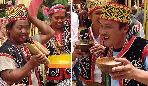 Brem (Reiswein) in Bambus- und Kokosnussgefaessen